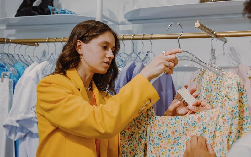 Comment acheter des vêtements pas cher en été ?